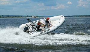 Navigator 485 Sport Boat